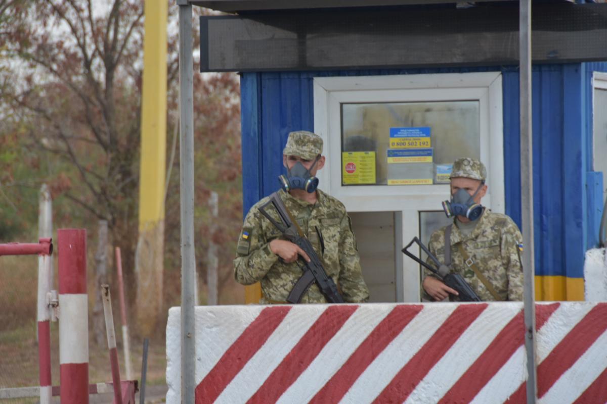 61 украинский пограничник обратился к медикам после выброса химикатов в Армянске / фото УНИАН