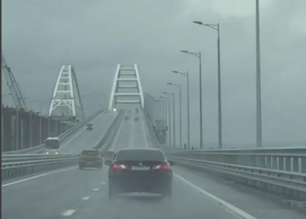 На Керченском мосту произошло масштабноеДТП/ фото kapkanshchikova_nadi, Instagram