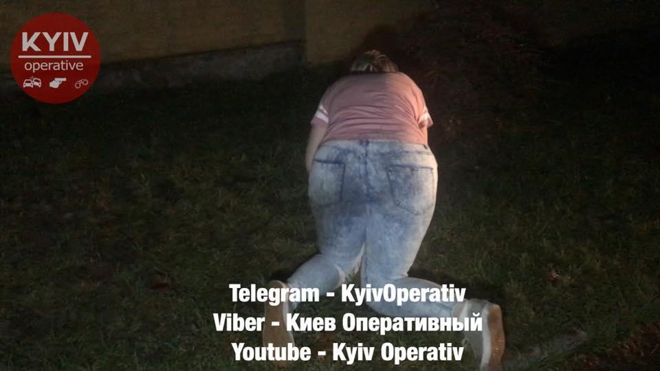 Женщина вела себя неадекватно / фото facebook.com/KyivOperativ