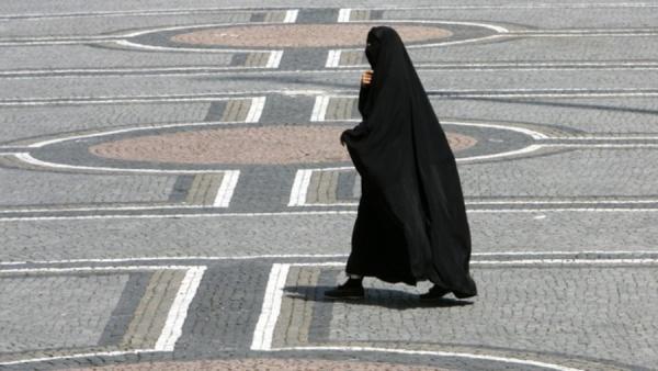 Никаб и бурка могут оказаться вне закона в Грузии / islam-today.ru