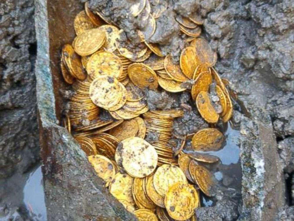 О стоимости сотни найденных монет пока неизвестно / фото Italian Ministry of Culture