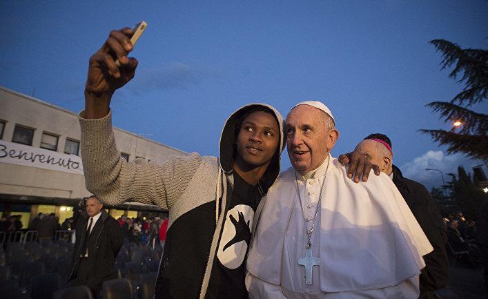 Папа Римський вважає, що біженці зобов'язані поважати культуру і закони приймаючих країн / humanrights.org.ua