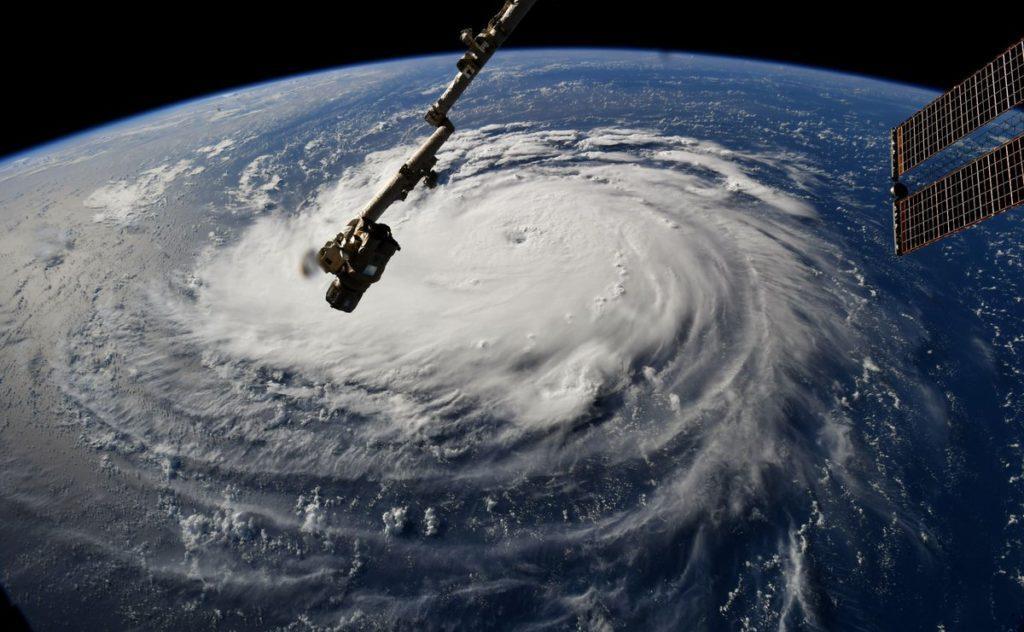 Шторм рухається через весь Атлантичний океан \ NASA