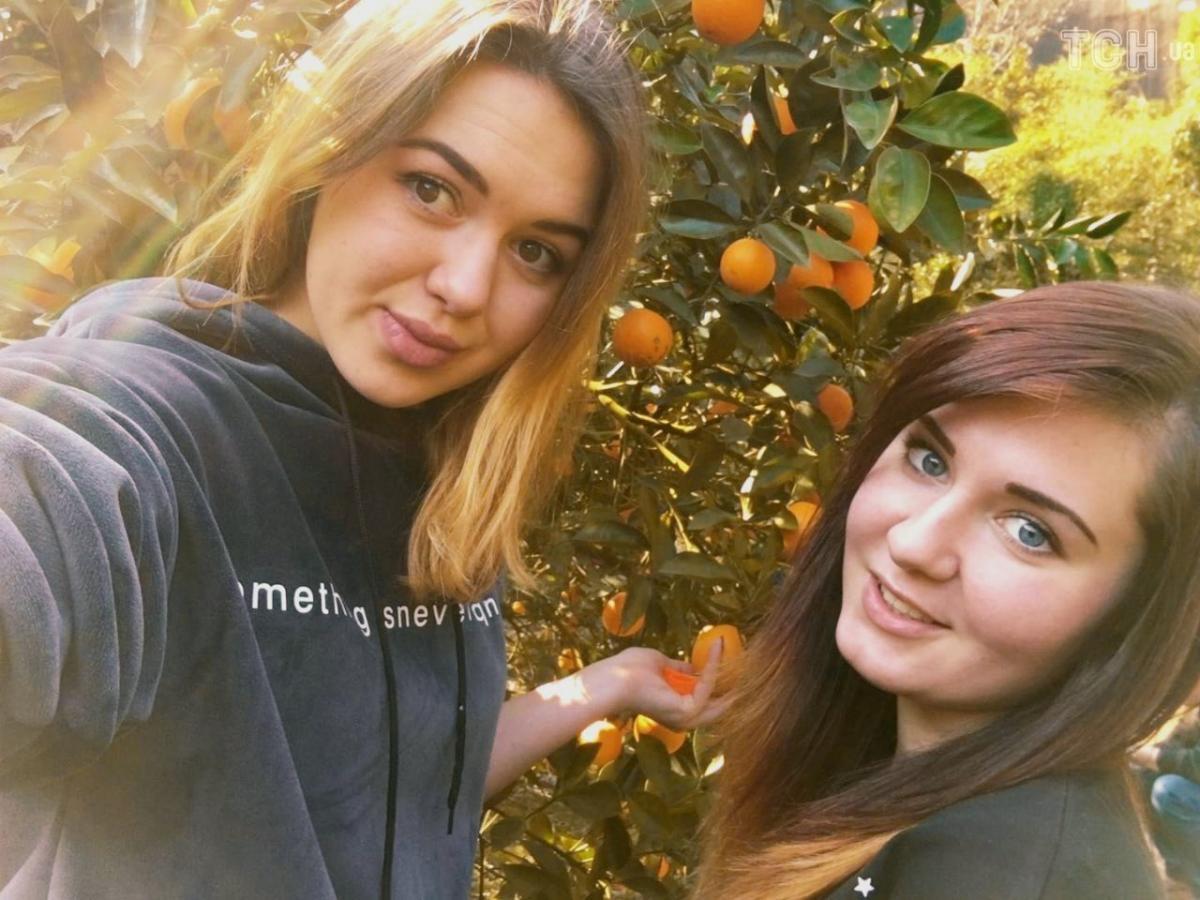 Аліна Іванова і Анжела Седлецька протягом п'яти місяців працювали в Китаї / ТСН