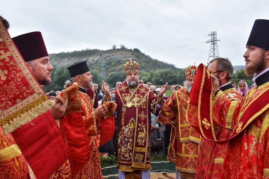 В Лядовском скальном монастыре отметили престольный праздник / orthodox.vinnica.ua