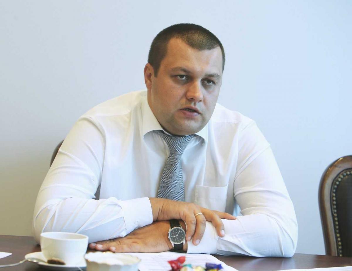 По словам Комнатного, сегодня действует более ста региональных программ по обеспечению жильем / фото УНИАН