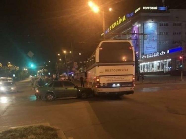 Гравці збірної Андорри потрапили в аварію в Запоріжжі / zp.depo.ua