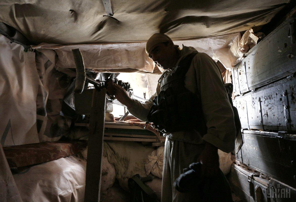 Украинскихбойцов обстреливают боевики/ фото УНІАН
