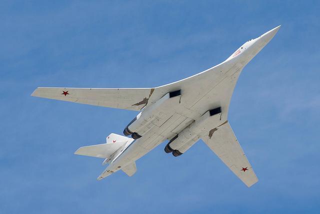 БомбардировщикТу-160/ фото Flickr/alex samsonov