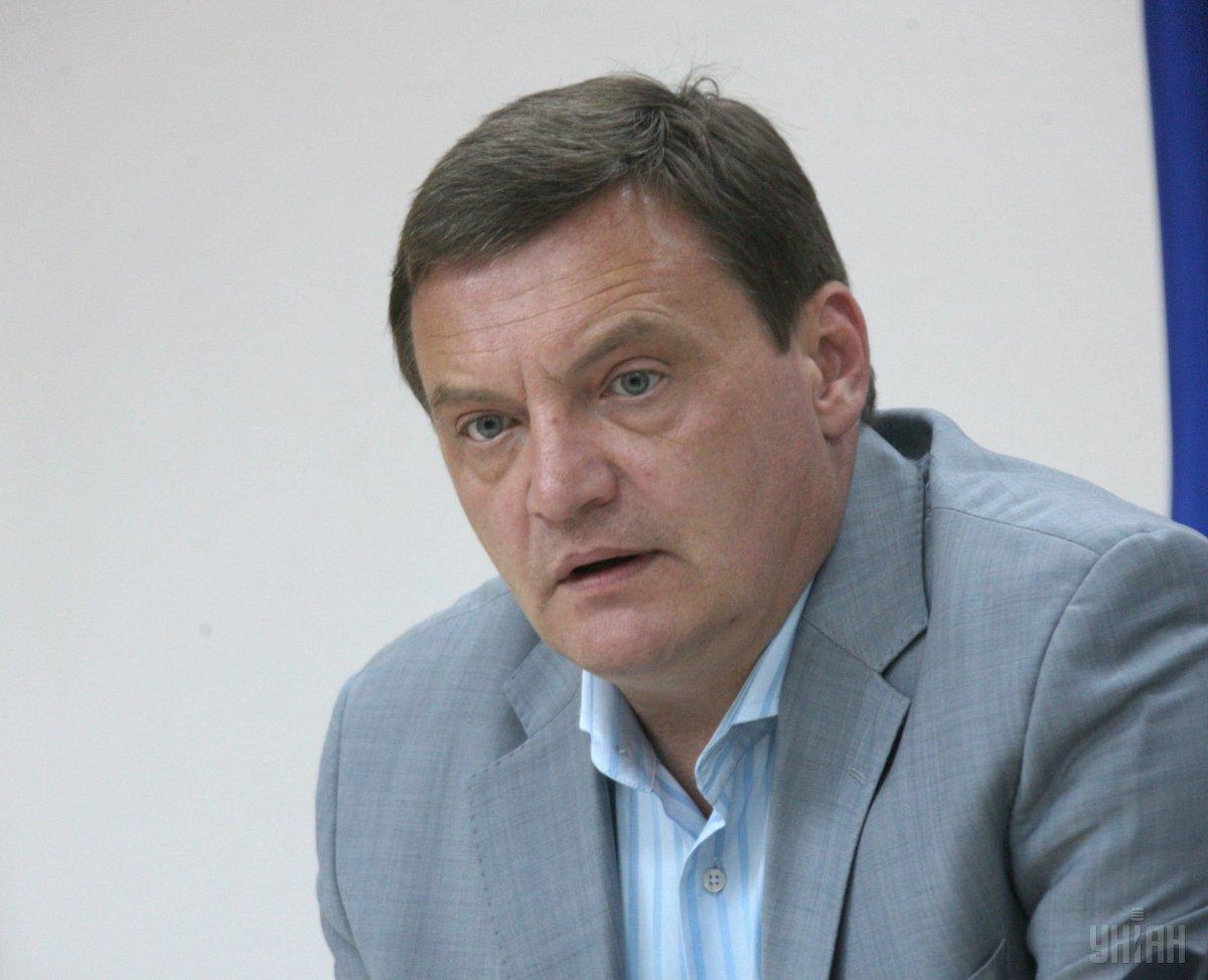 Юрий Грымчак считает вариант с попаданием снаряда в завод близкой к истине версией / УНИАН