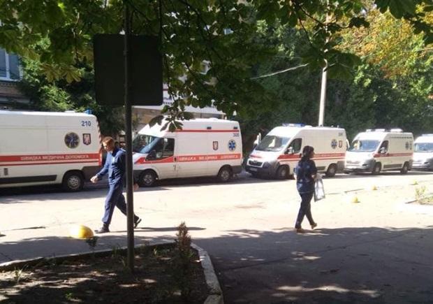 Борт с ранеными прибыл в столицу / фото facebook.com/nataliya.vetvitskaya