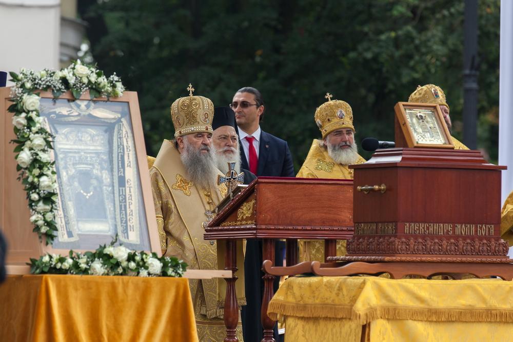 В Александро-Невской лавре почтили память святого князя Александра Невского / lavra.spb.ru