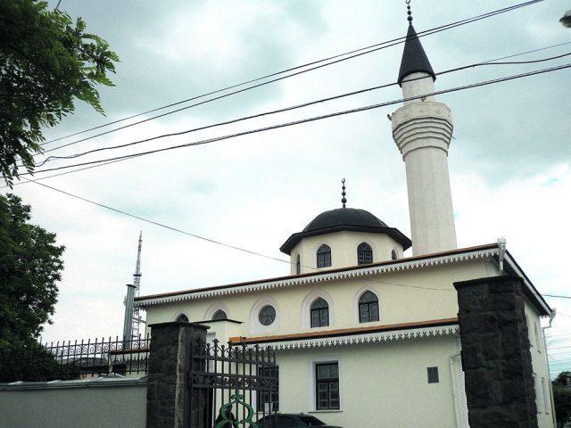 Влада Дніпра повернули кримським татарам будівлю історичної соборної мечеті / nashemisto.dp.ua