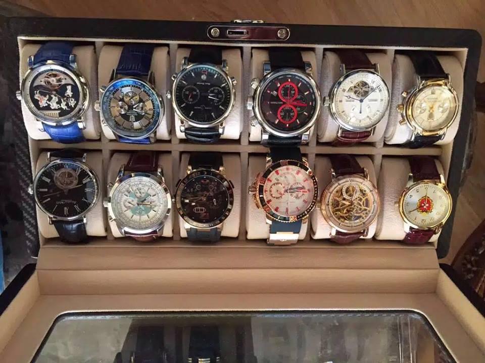 У результаті обшуків було вилучено бурштин, золото, дорогоцінні годинники / Facebook Арсен Аваков