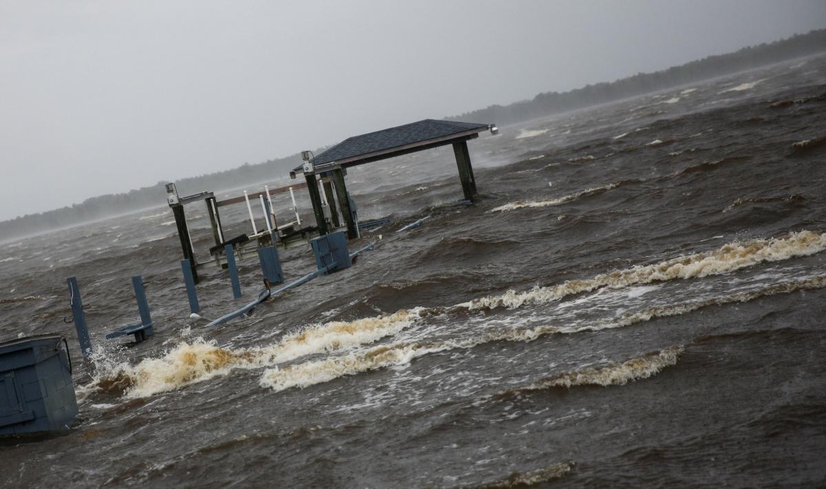 """Последствия урагана """"Флоренс"""" в Северной Каролине / REUTERS"""