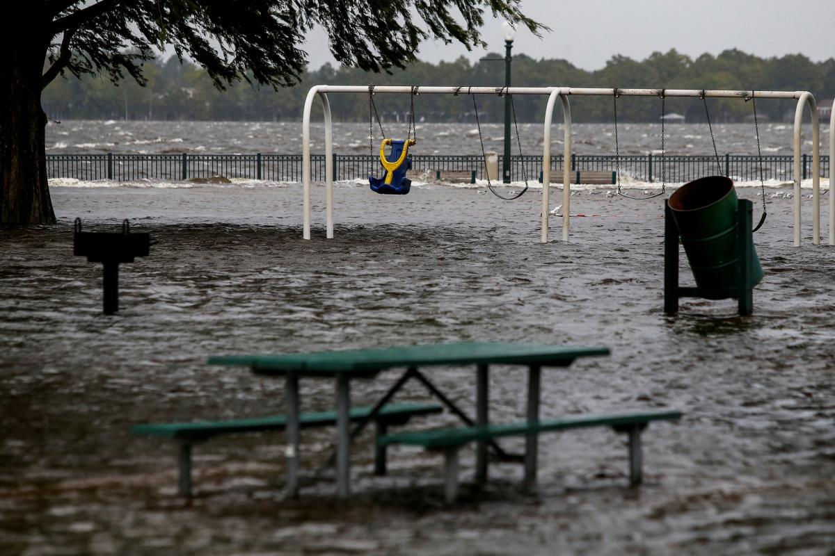 "Последствия урагана ""Флоренс"" / REUTERS"