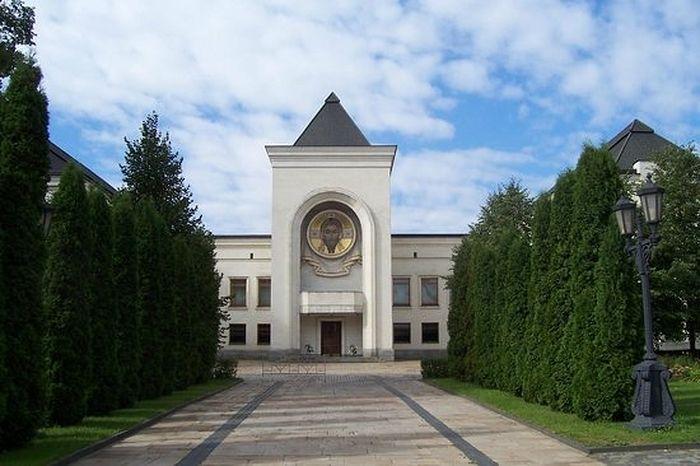 Патріарша й Синодальна резиденція в Даниловому монастирі / patriarchia.ru