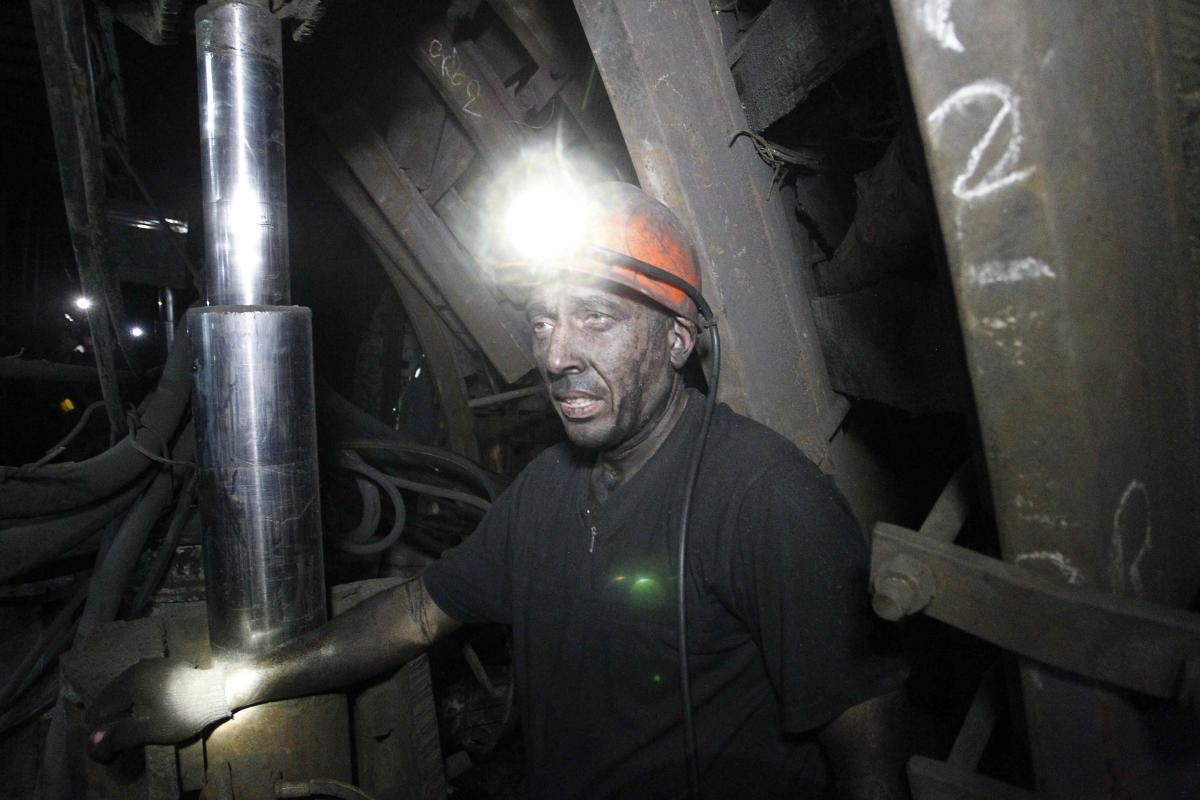 Пока неясно, как Кабмин трудоустроит десятки тысяч безработных шахтеров / REUTERS