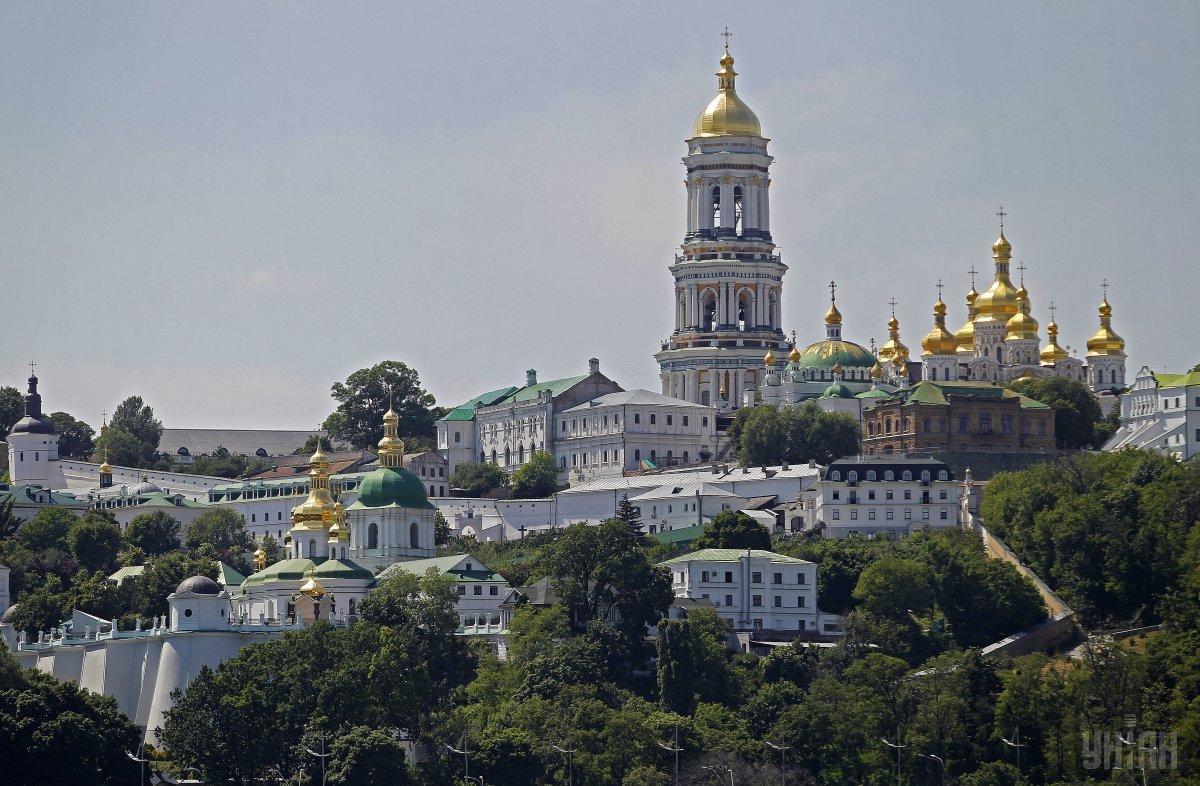 В РПЦ угрожают кровопролитием, если большие монастыри попытаются передать автокефальной церкви / фото УНИАН