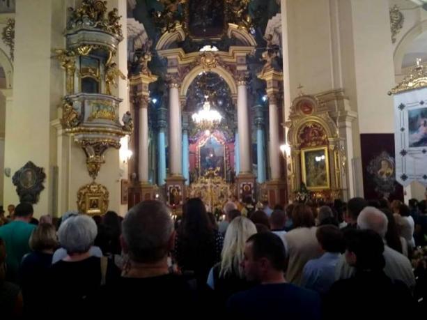Мощі святого Антонія Падуанського привезли до Архикатедрального собору святого Юра / loda.gov.ua