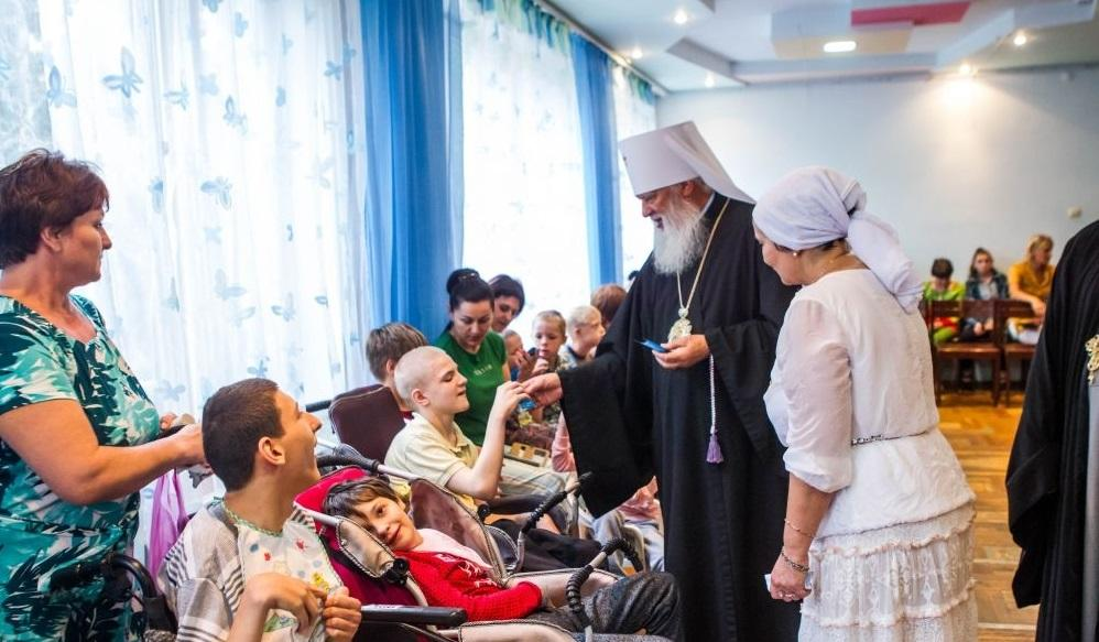 После богослужения митрополит Агафангел посетил реабилитационный центр / eparhiya.od.ua