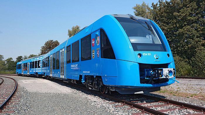 ВГермании начал курсировать 1-ый  вмире поезд наводородном горючем