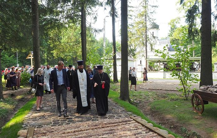 На перетині стежки, якою ходив святий Сергій Радонезький, відкрили Музей дороги / sergievhram.ru