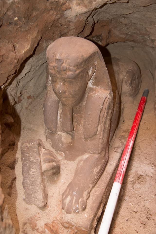 Голову сфинкса украшает урей - царский убор с изображением богини-кобры Уаджит / facebook.com/moantiquities