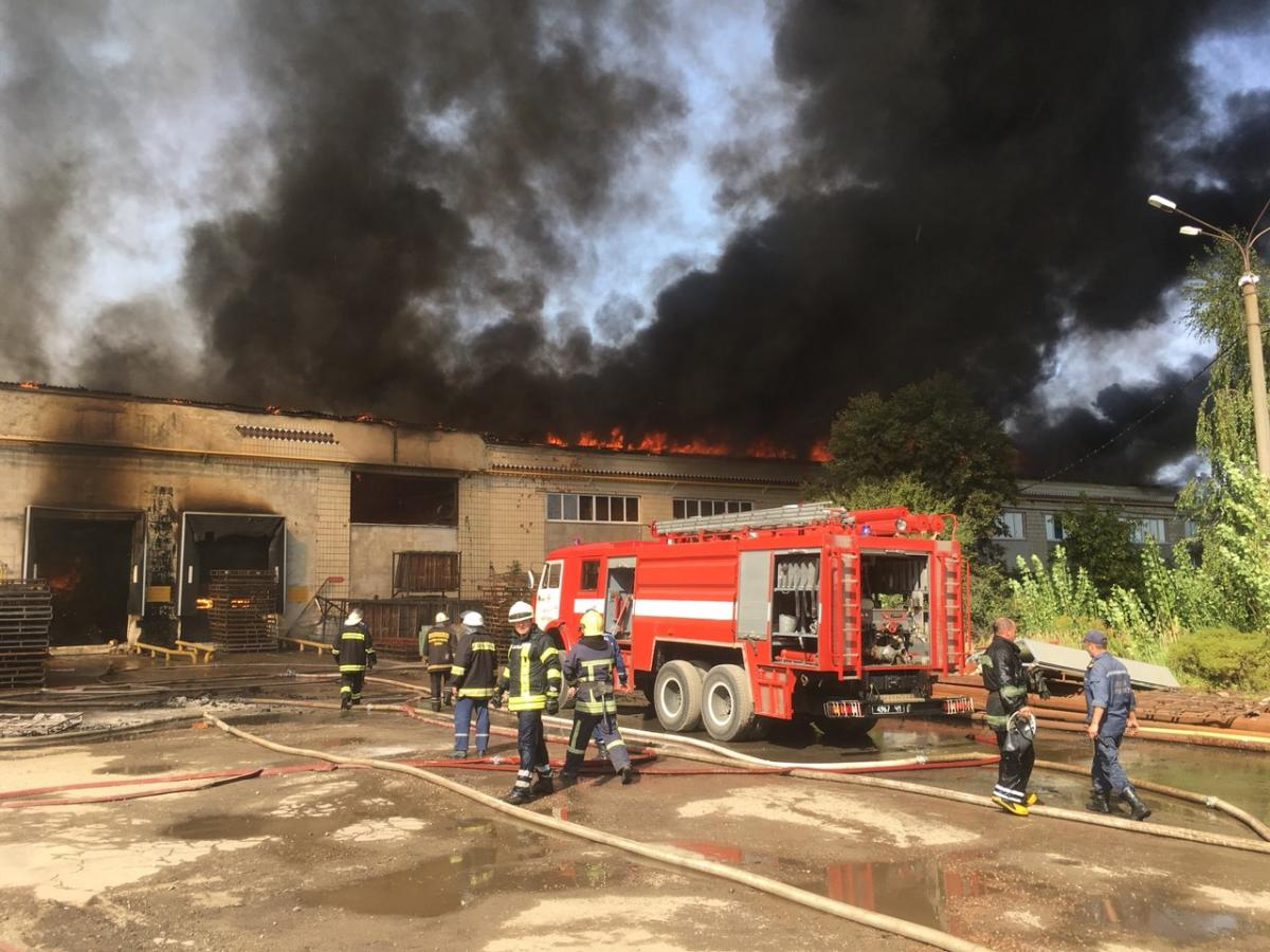 Firefighting is carried out by 11 units of equipment and 63 staff members / photo zhytomyr.dsns.gov.ua
