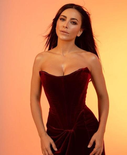 Багатьом сподобалось фото співачки, вони захопилися її фігурою / фото instagram.com/anilorak