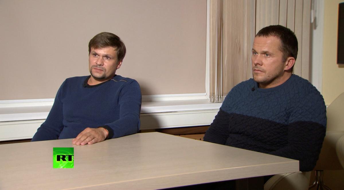 """""""Александр Петров"""" и """"Руслан Боширов"""" во время первого интервью / REUTERS"""