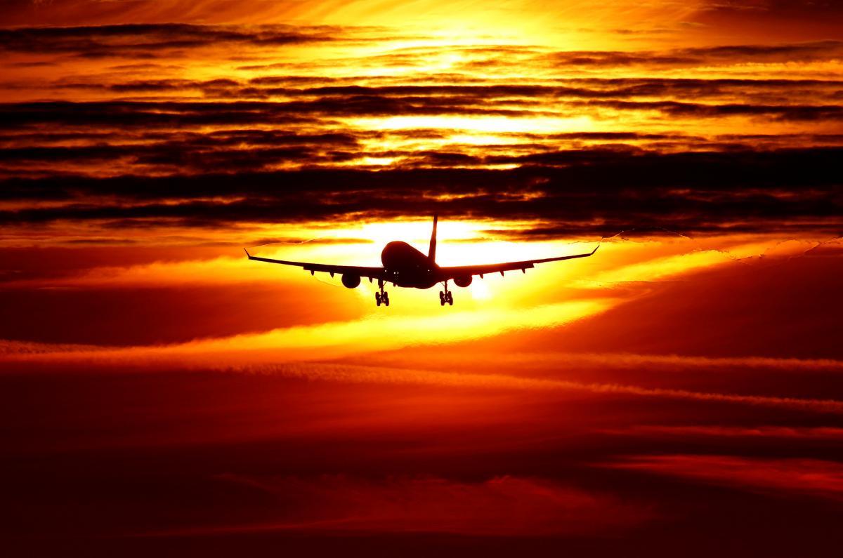 Аэропорты Днепра и Ивано-Франковска будут принимать цифровые документы / REUTERS