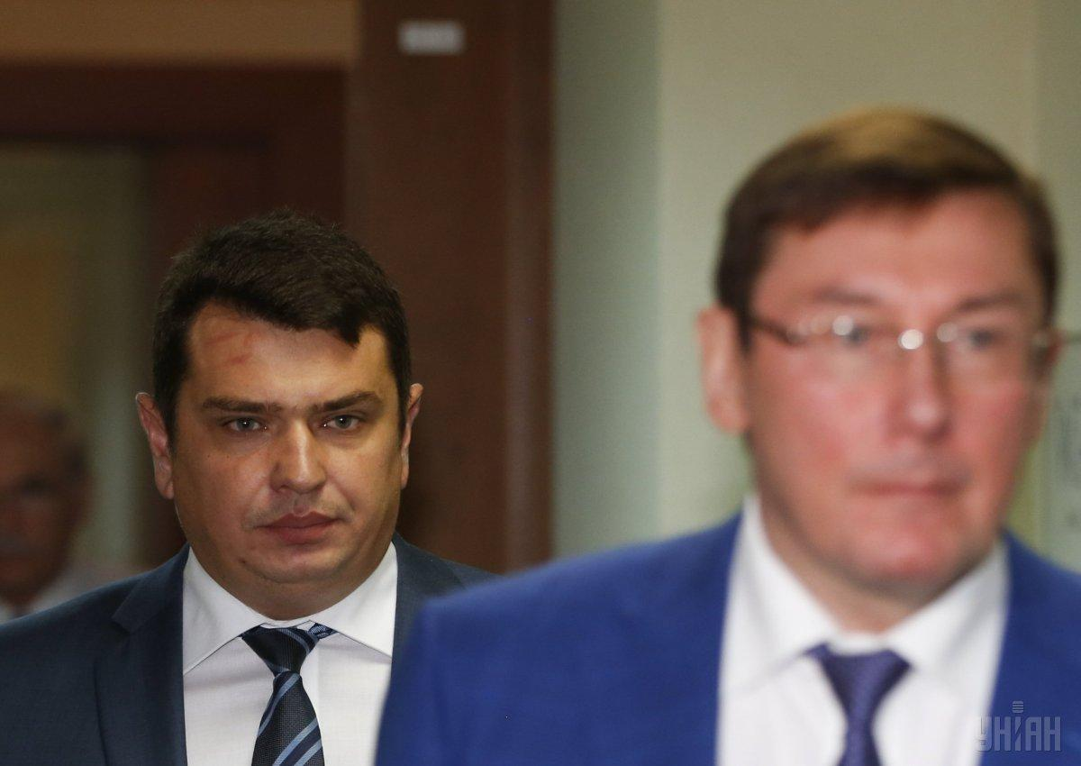 NABU chief Sytnyk (left) and PGO head Lutsenko (right) / Photo from UNIAN