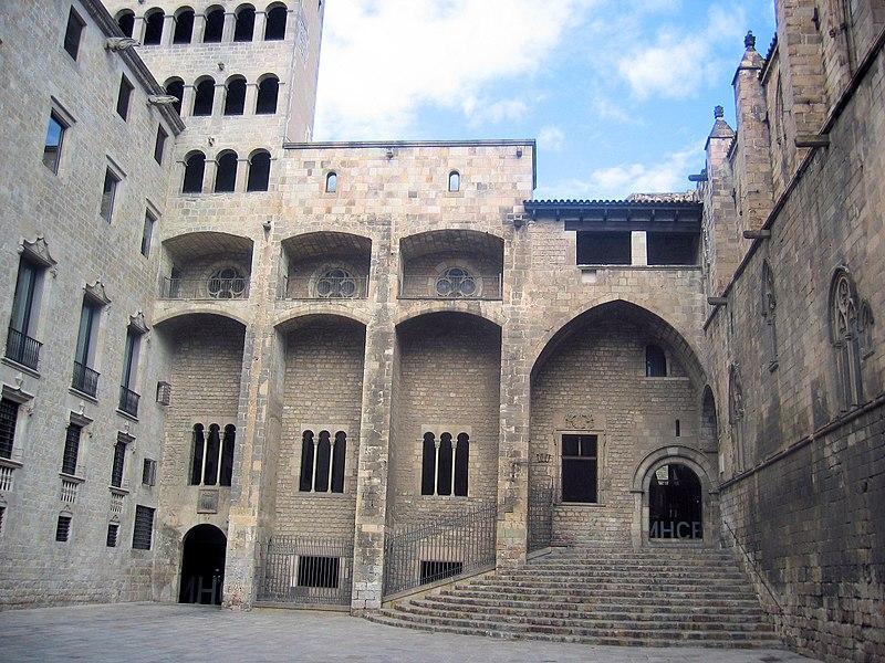 Королевский дворец в Готическом квартале / Фото wikipedia.org