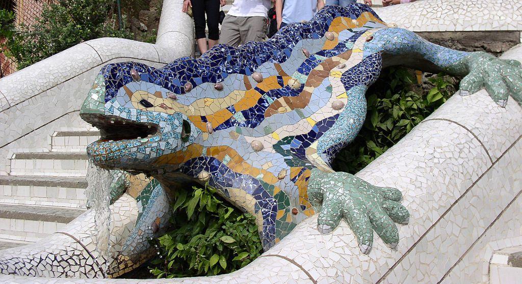 Вход в Парк Гуэля / Фото wikipedia.org