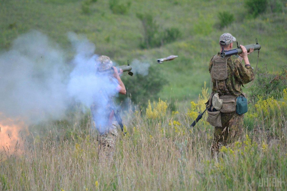 От 7 часов утра боевики восемь раз нарушили режим прекращения огня на Донбассе / фото УНИАН