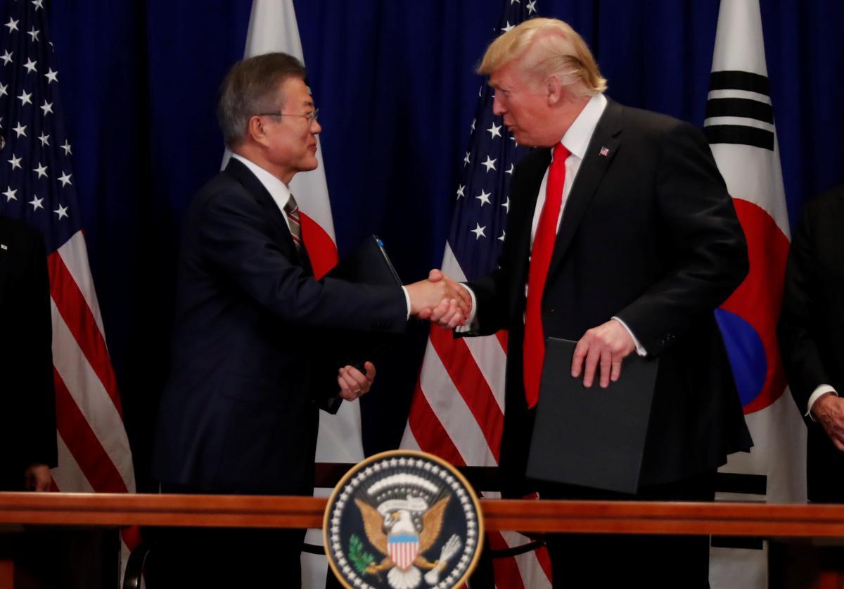 Дональд Трамп і Мун Чже Ін / REUTERS