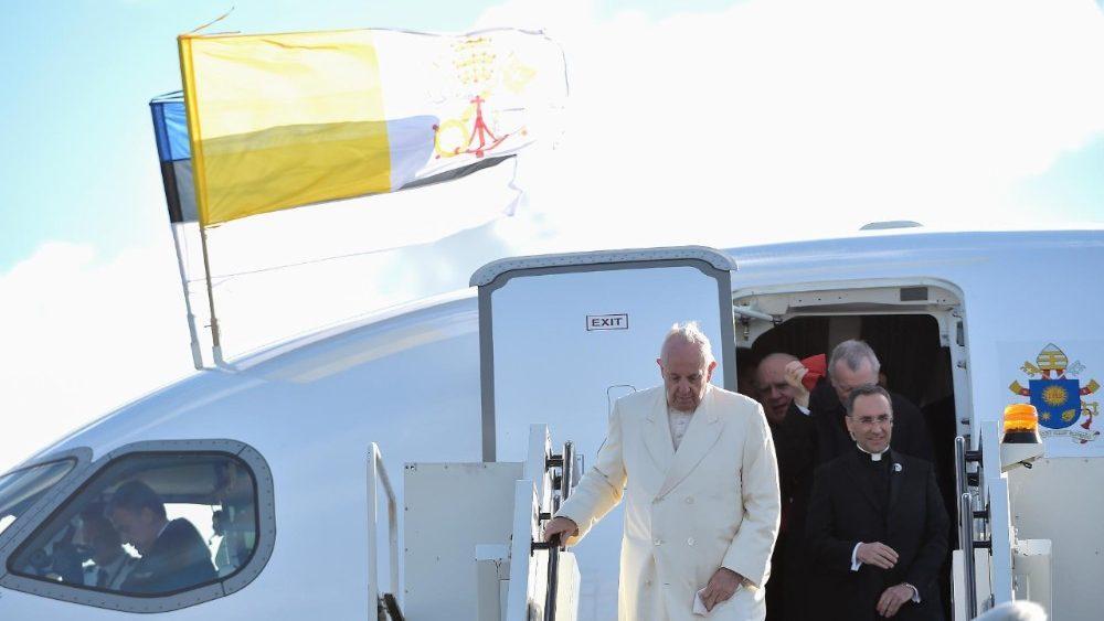 Папа Римский стал электронным резидентом Эстонии