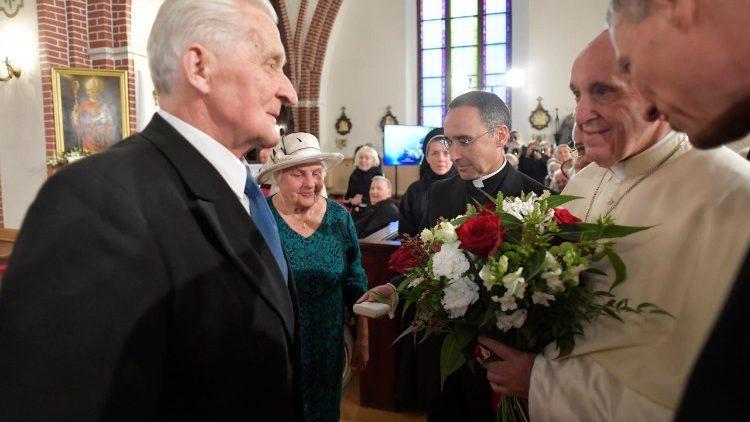 Папа Римский встретился с пожилыми людьми / vaticannews.va