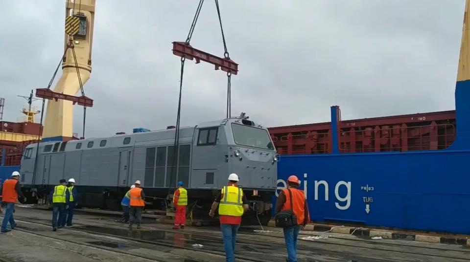 Сьогодні вночі 7 нових тепловозів GE прибули до порту Чорноморськ/ фото facebook/Kravtsov.Evg