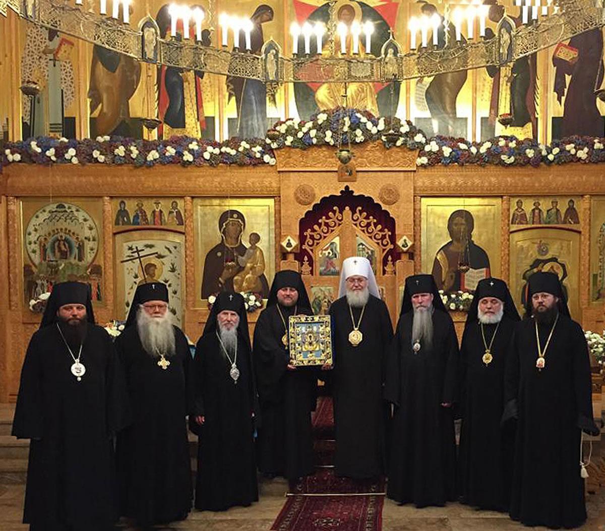 Синод Руської Зарубіжної Церкви призупинив співслужіння з Константинопольським Патріархатом / synod.com