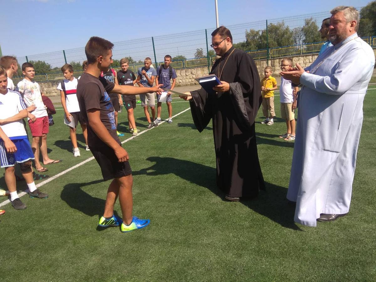 У Хмільнику відбувся футбольний турнір / orthodox.vinnica.ua