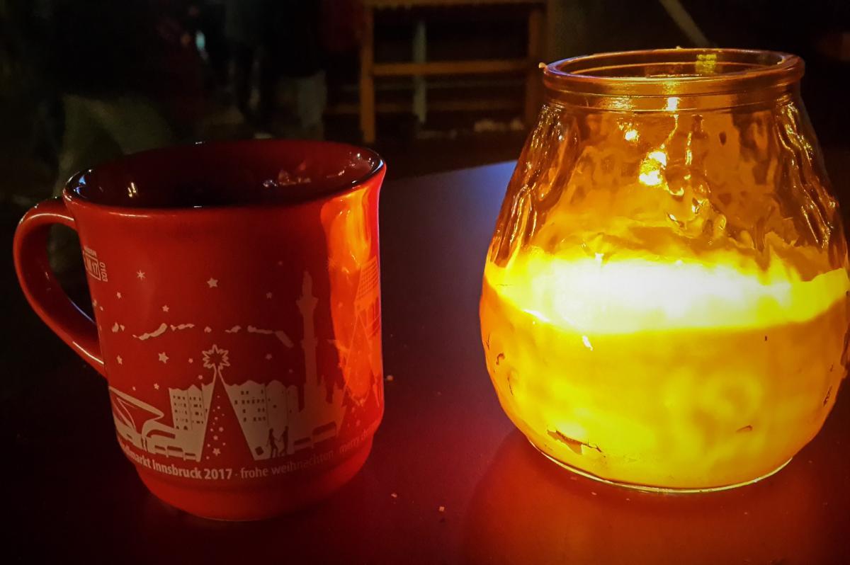 Напитки на европейских ярмарках подают только в стеклянной таре и под залог / Фото Марина Григоренко
