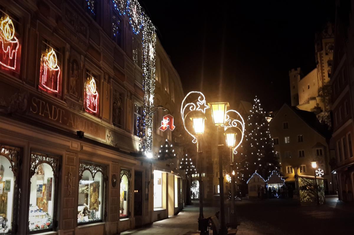 К Рождеству улицы даже самых маленьких городов Европы окутывает праздничная атмосфера / Фото Марина Григоренко