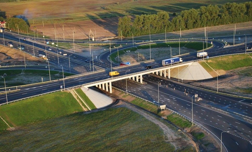 На больших трассах хотят строить только многоуровневые транспортные развязки / Фото facebook/Ukravtodor