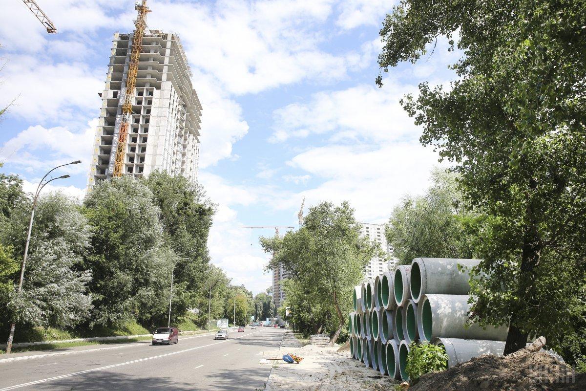 Ще в 2006 році Верховна Рада прийняла закон, який передбачав комплексну реконструкцію застарілих кварталів / фото УНІАН