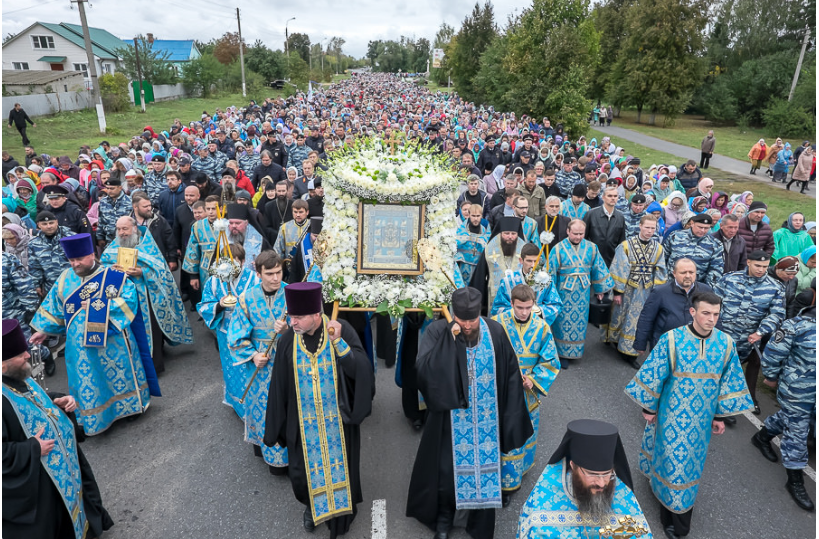 Крестный ход с чудотворной иконой / patriarchia.ru