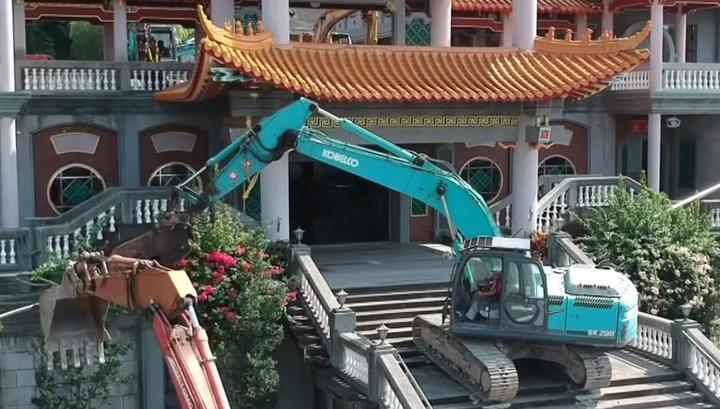На Тайване разрушили храм коммунистического Китая / youtube.com /  中央社