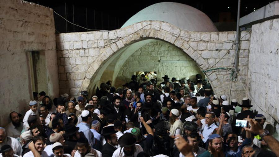 Полиции пришлось применить средства по разгону толпы / Фото: newsru.co.il
