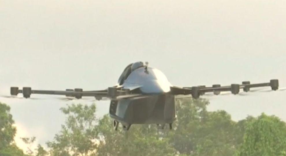 Мужчина построил воздушное авто, чтобы не стоять в пробках / фото ТСН.ua